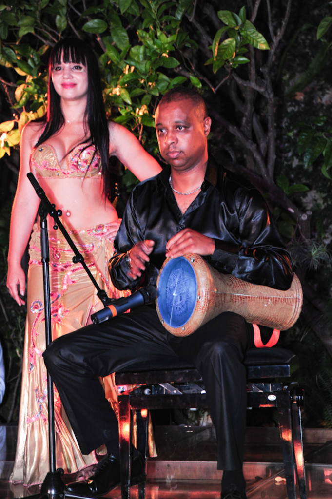 Compagnie Roses des Sables - soiree a theme - 1001 nuits - percussions