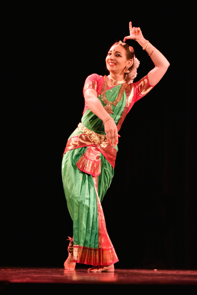 Compagnie Roses des Sables - soiree a theme- bollywood fever - danse indienne