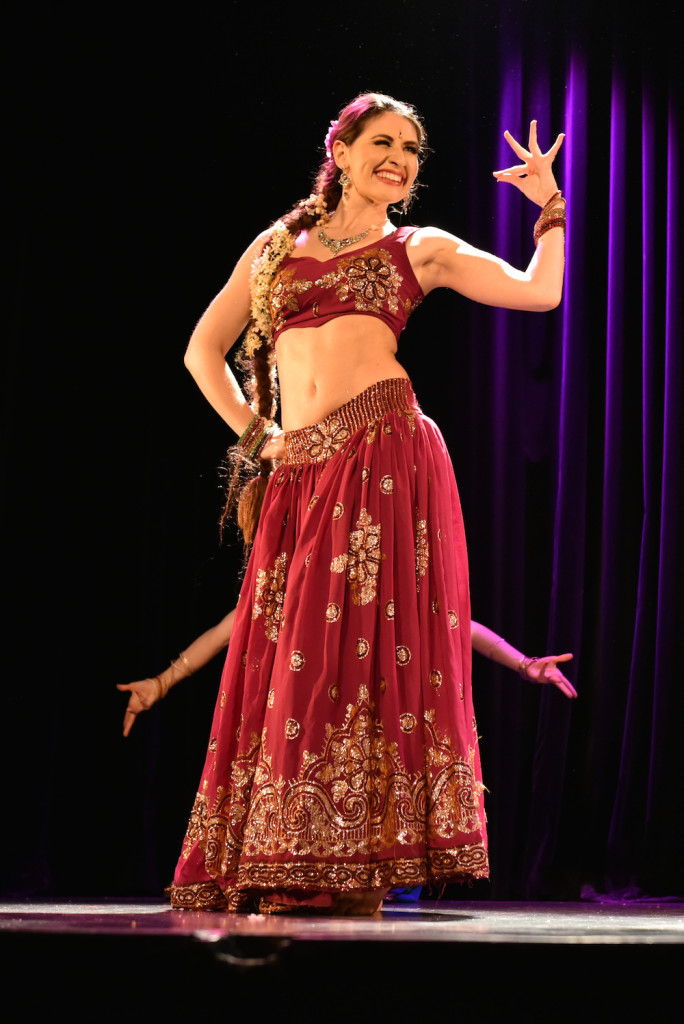Compagnie Roses des Sables - soiree a theme- - bollywood fever - danseuse