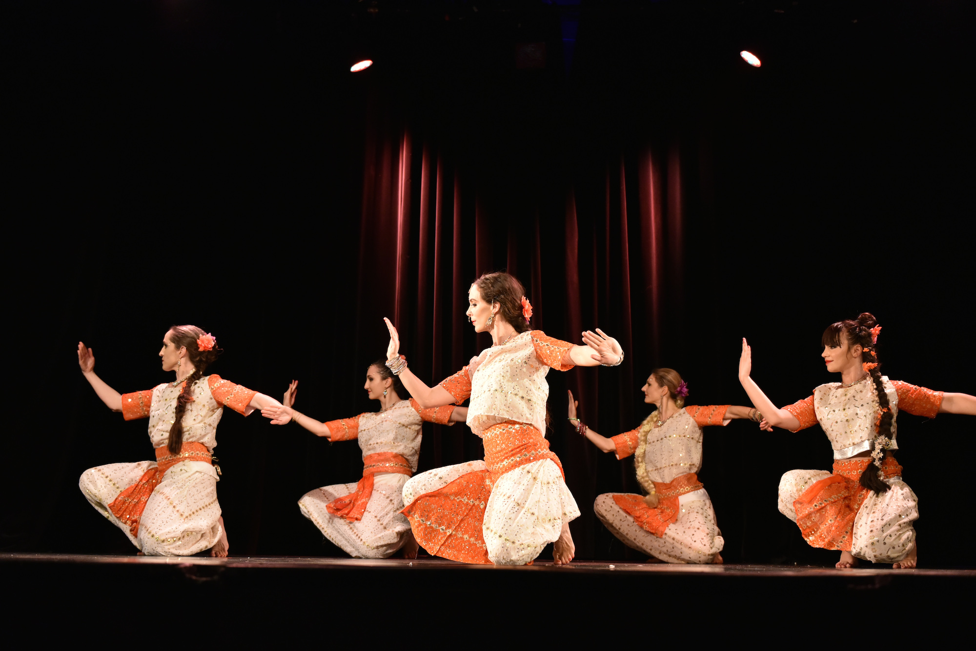 Compagnie Roses des Sables - spectacle - bollywood show classique