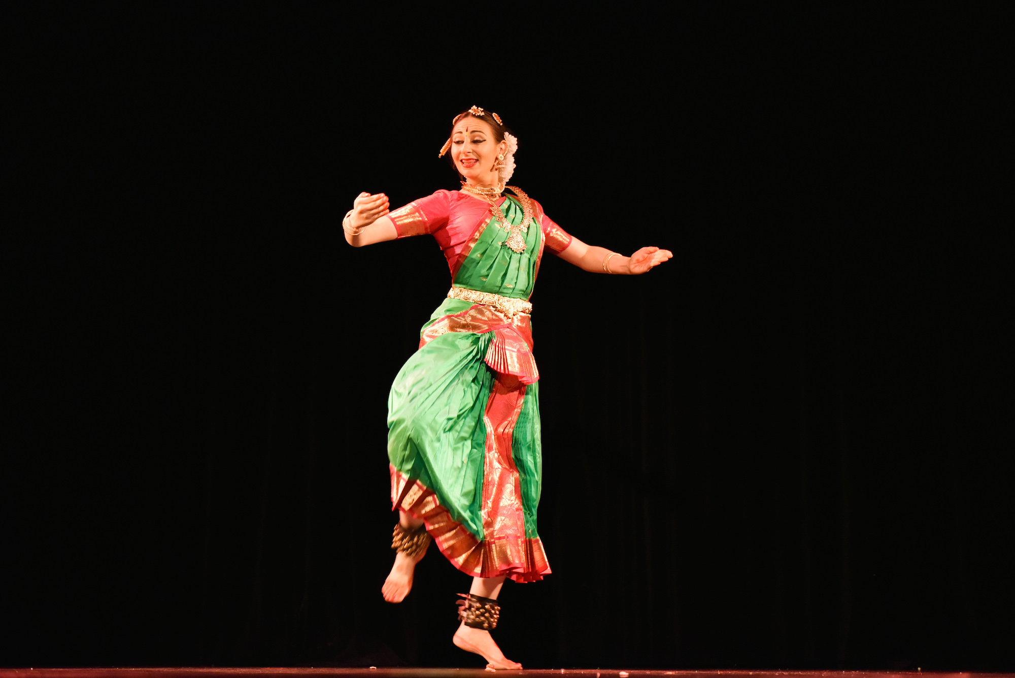 Compagnie Roses des Sables - spectacle - bollywood show danseuse indienne