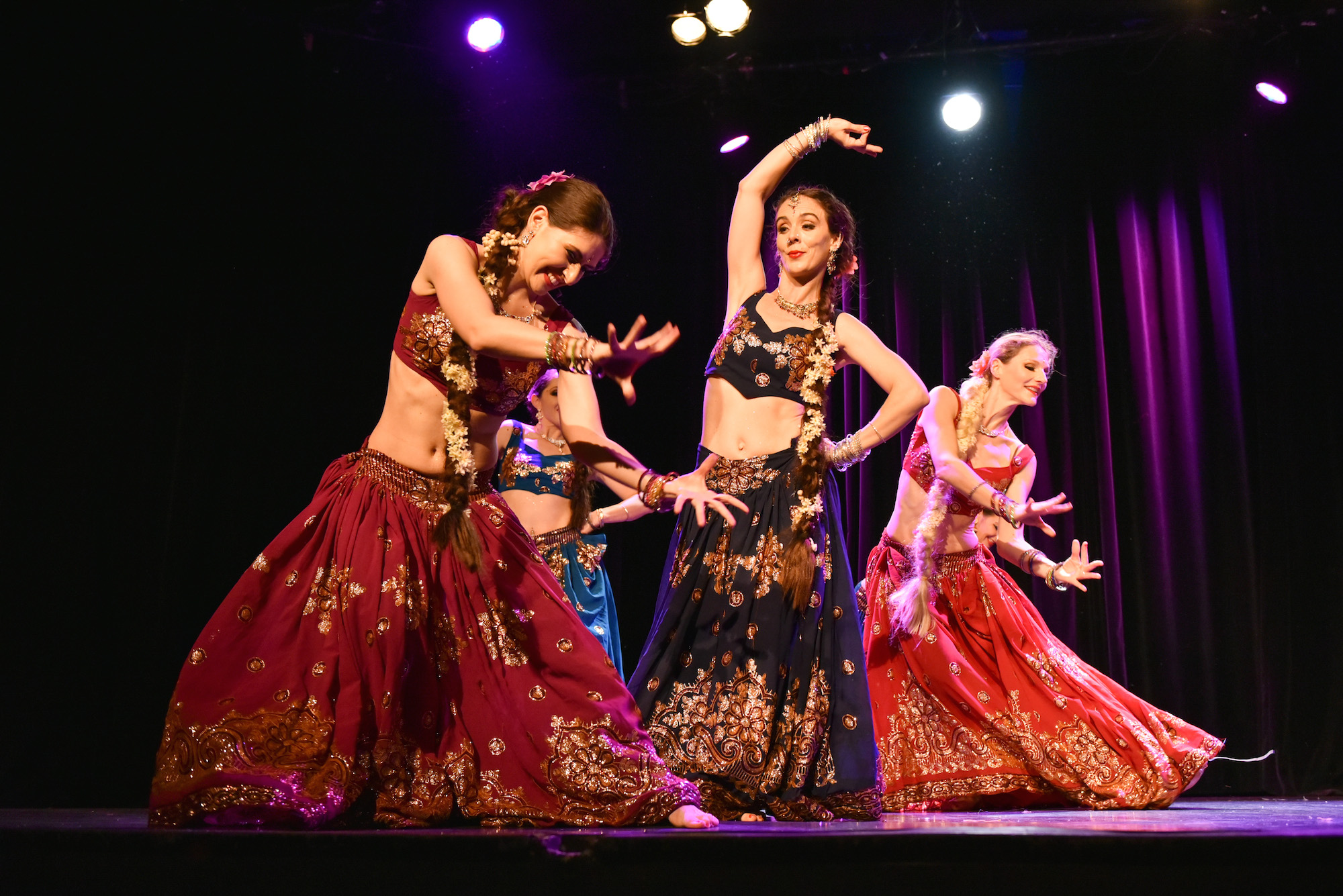 Compagnie Roses des Sables - spectacle - bollywood show duo