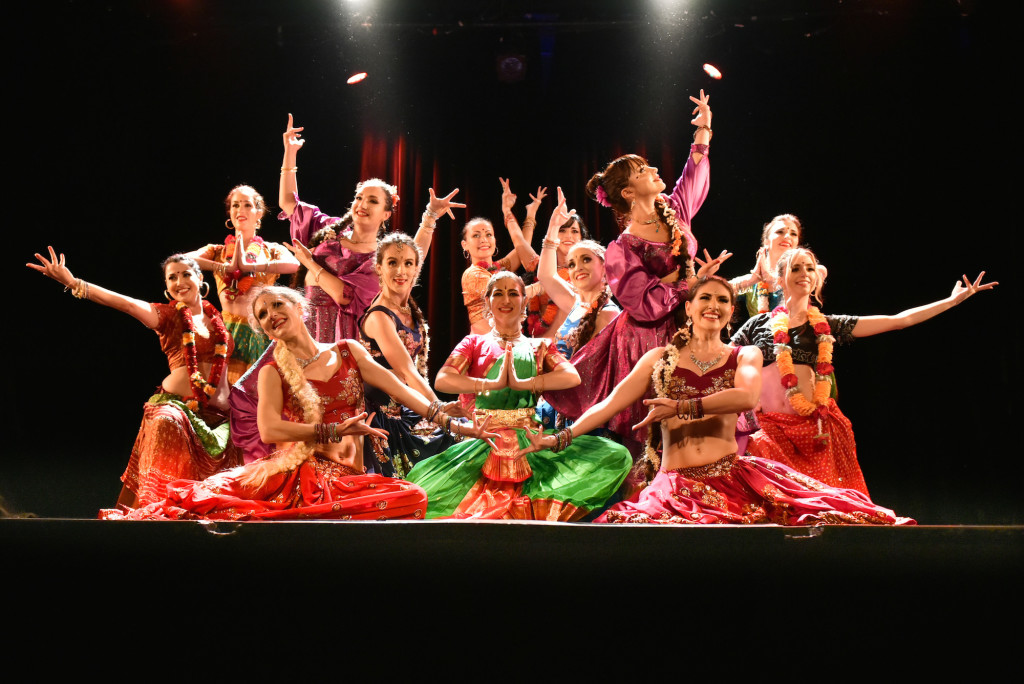 Compagnie Roses des Sables - spectacle - bollywood show pause finale