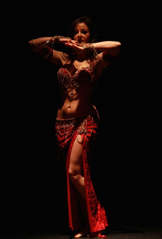 Compagnie Roses des Sables - spectacle - danse orientale - solo oriental