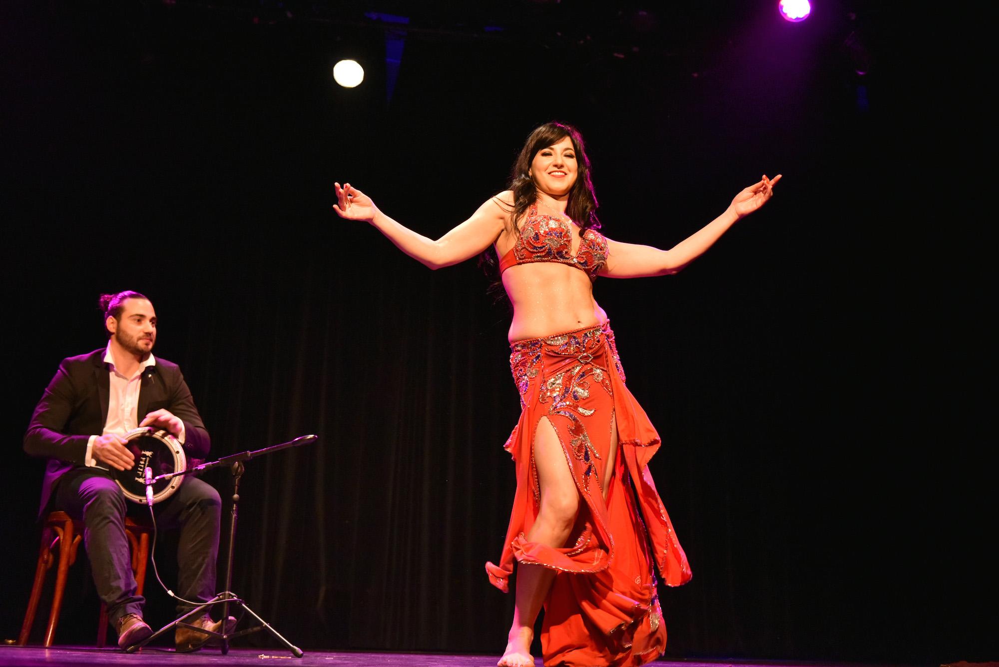 Compagnie Roses des Sables - spectacle - danse orientale - tabla