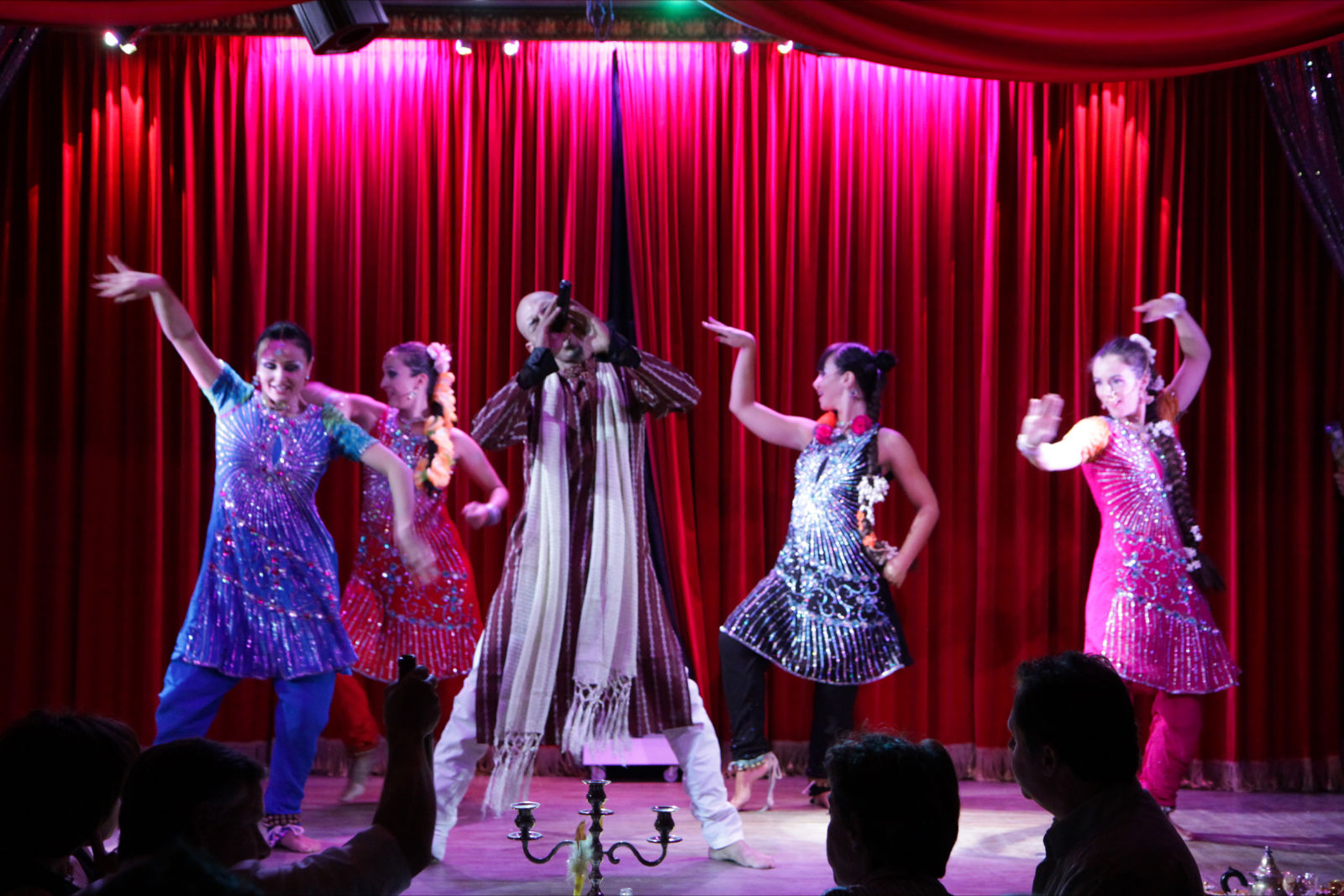 Compagnie Roses des Sables - spectacles - cabaret oriental bollywood