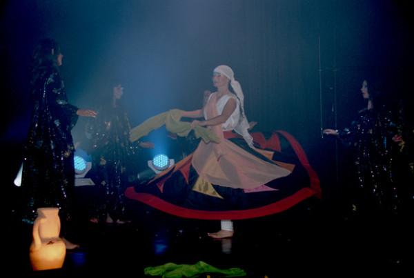 Compagnie Roses des Sables - spectacles - le voyage de yasmina - conte dansé - derviche