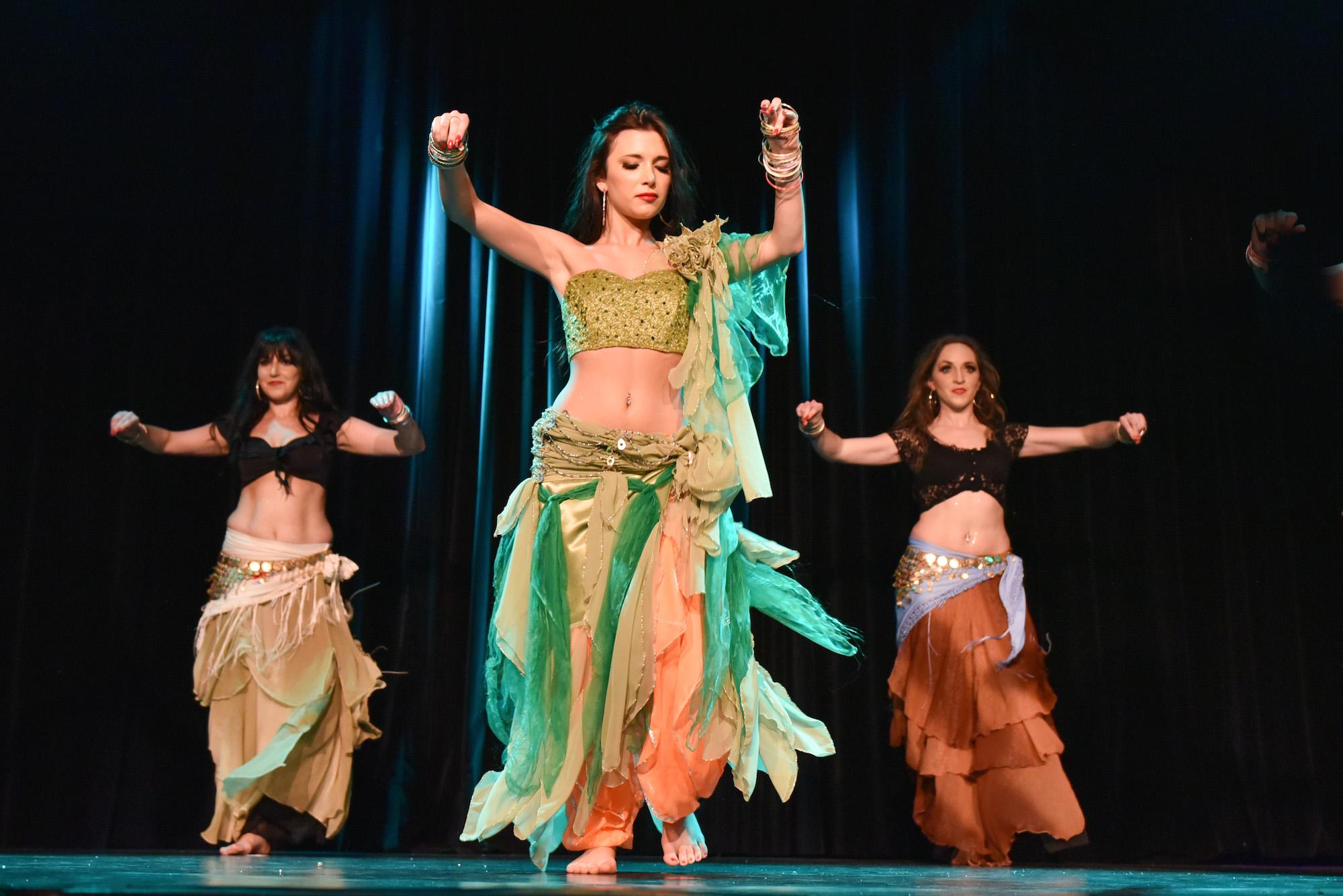 Compagnie Roses des Sables - spectacles - merveille - danse arabo gitane
