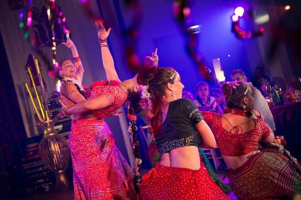Compagnie roses des sables - mariage bollywood 2