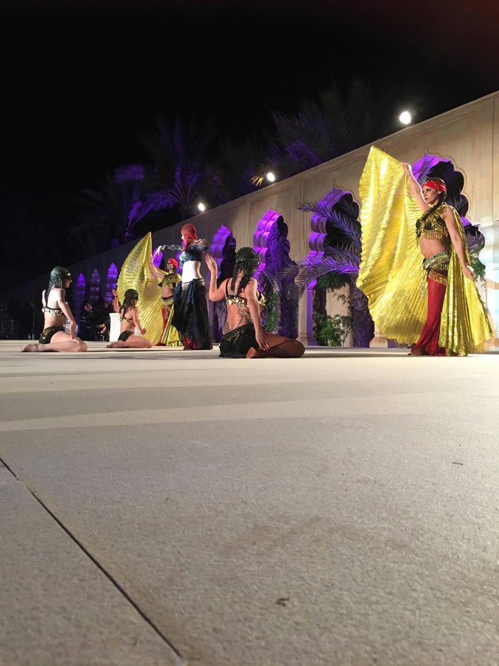 Spectacle de danse orientale à Nice ou Bollywood au Maroc, la Compagnie Roses des Sables est là !